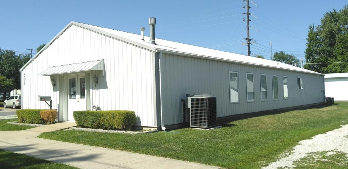 501 N AULT ST, MOBERLY, MO 65270 – 2