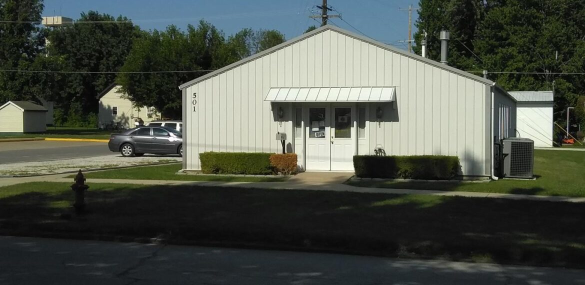 501 N AULT ST, MOBERLY, MO 65270 – 3